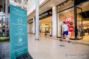 Dranken en voeding nuttigen aan Waasland Shopping verboden - Gazet van Antwerpen