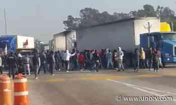 Con palos y piedras se enfrentan por toma de caseta en Puebla; hay 6 heridos - Uno TV Noticias