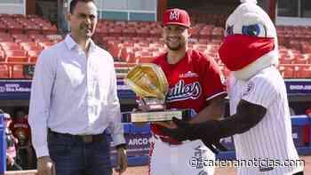 Par de jugadores de Mexicali recibieron su guante de oro - Cadena Noticias