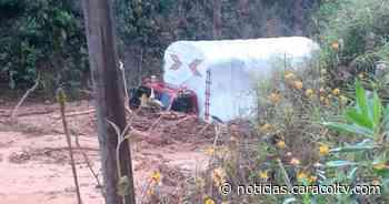 Una casa afectada y dos camiones atrapados por deslizamientos en Urrao - Noticias Caracol