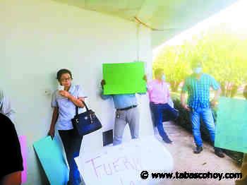 Protestan en el Hospital de Emiliano Zapata hartos de la corrupción - tabasco hoy