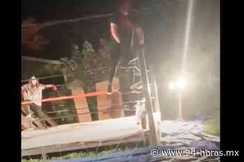 Luchador se rompe las piernas tras un salto en el ring (+video) - 24 HORAS