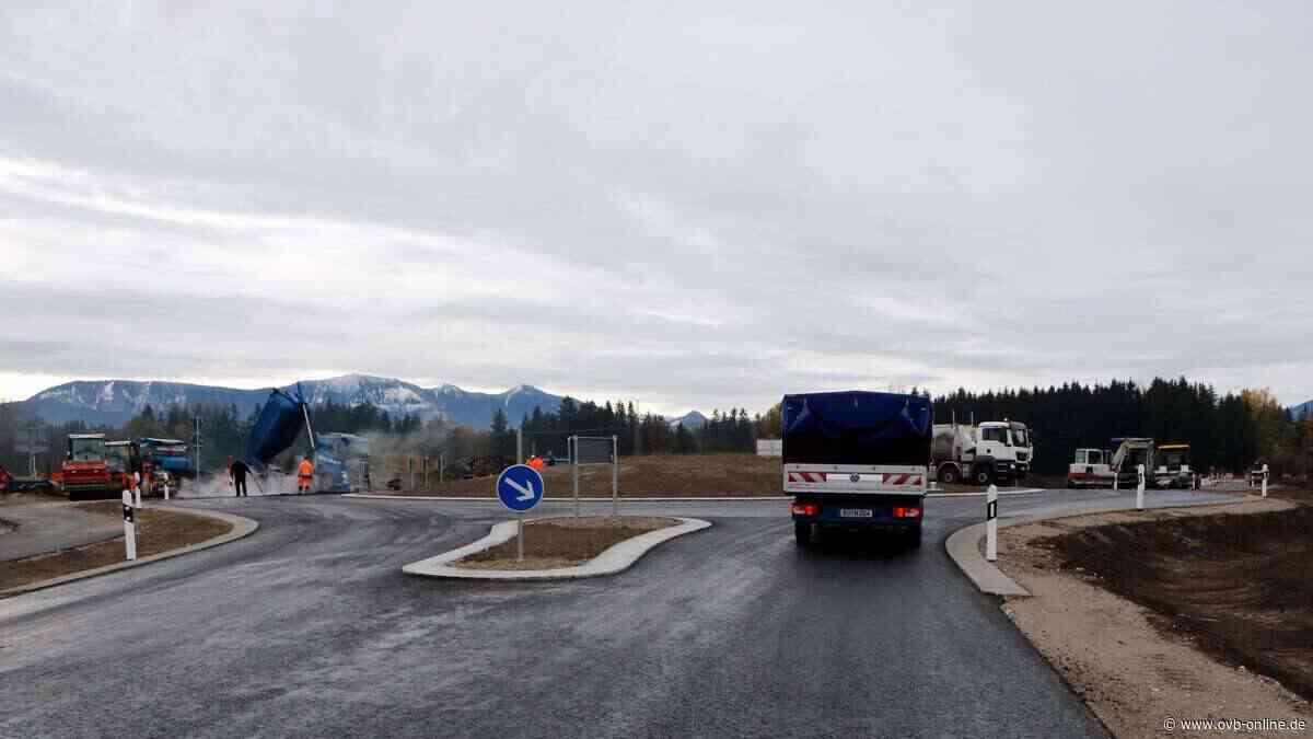 Neuer Kreisverkehr am Ziegelberg bei Stephanskirchen soll am 5. November freigegeben werden - ovb-online.de