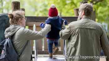 Bundestag: Mehr Kindergeld und weniger Steuern für Familien