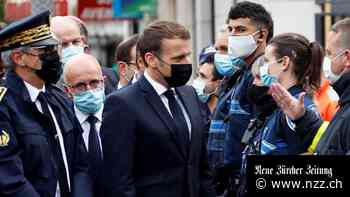 Nach dem Messerangriff mit drei Toten in Nizza herrscht in Frankreich die höchste Terrorwarnstufe – Präsident Macron besucht den Tatort
