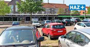 Region plant Parkhaus an der Stadtbahnendhaltestelle in Wettbergen