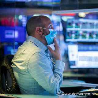 Beurzen krijgen fikse tikken: 'Fundamentele onzekerheid laat zich nu echt voelen'
