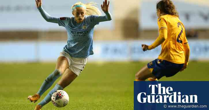 Manchester City's Chloe Kelly: 'We aim to win two FA Cups in one season'