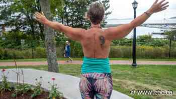 Topless breast cancer survivor in N.S. inspires women and finds a bosomless buddy