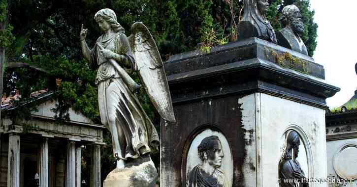 """Scoperto """"il collezionista di morte"""": rubava foto e ceneri di giovani ragazze nei cimiteri di Roma"""