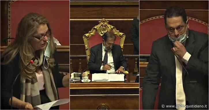 Il cattivo esempio dei parlamentari: tutti gli errori dei senatori che non indossano correttamente la mascherina in Aula
