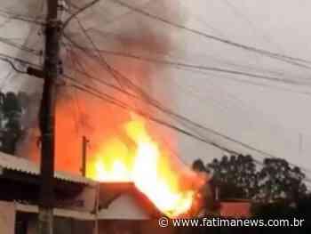 Marido tenta esfaquear mulher e coloca fogo na casa em Navirai - Fátima News