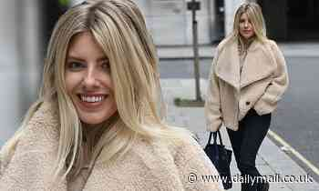Mollie King cosies up in 'snuggliest' fleece jacket