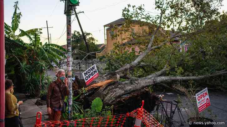 Hurricane Zeta Knocks Out the South, Causing Pre-Election Panic