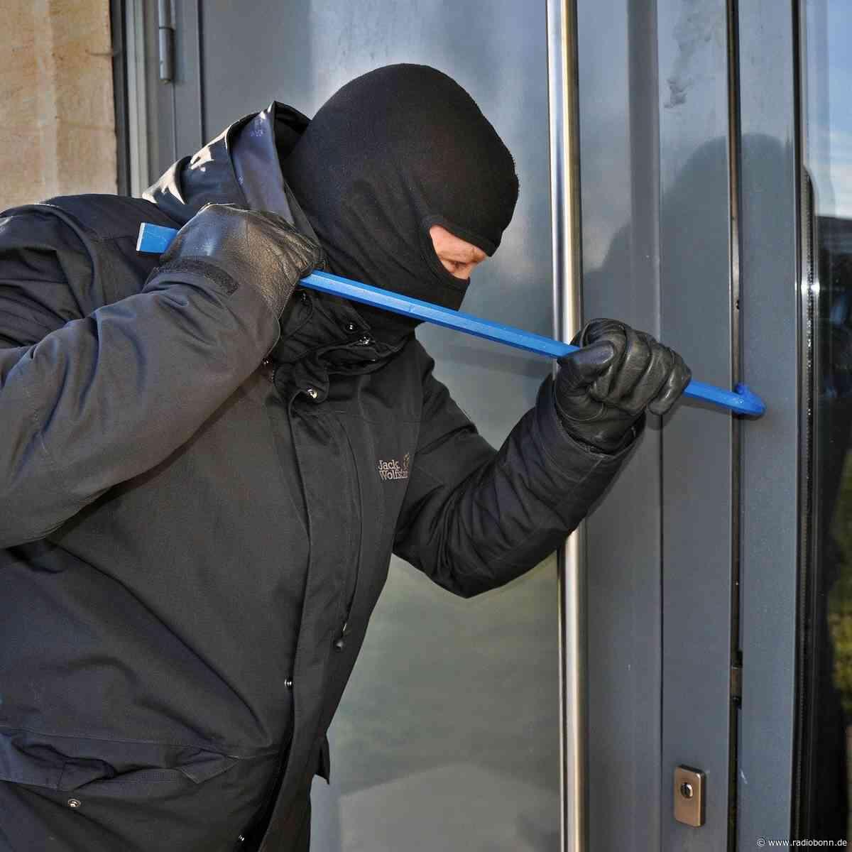 Polizei sucht in Lohmar und Siegburg nach Einbrechern - radiobonn.de