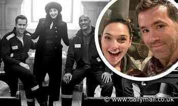 Red Notice: Ryan Reynolds, Gal Gadot and Dwayne Johnson in photos