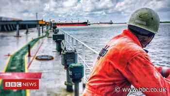 Covid: The 400,000 seafarers who can't go home