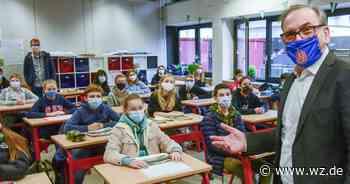 Andreas Mucke führt Gespräch über Demokratie mit Schülern in Wuppertal - Westdeutsche Zeitung