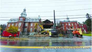 Manoir Stanstead demolition for the safety of residents - Sherbrooke Record