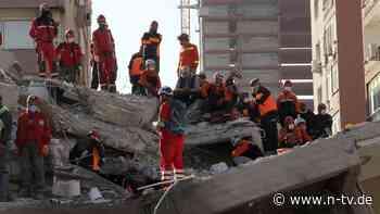 23 Stunden nach Erdbeben: Mutter mit Kindern aus Trümmern geborgen
