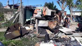 Virrey del Pino: usurparon un terreno y le prendieron fuego la casa a una vecina. Perdió todo - Matanza Digital