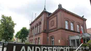 Steuerhinterziehung: Angeklagter aus Rehburg-Loccum muss sich in 14 Fällen verantworten - blickpunkt-nienburg.de