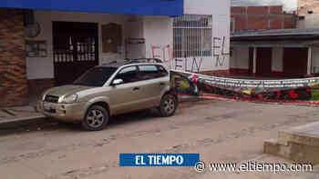 Pánico en El Tarra por presunto carro bomba frente a la Alcaldía - El Tiempo