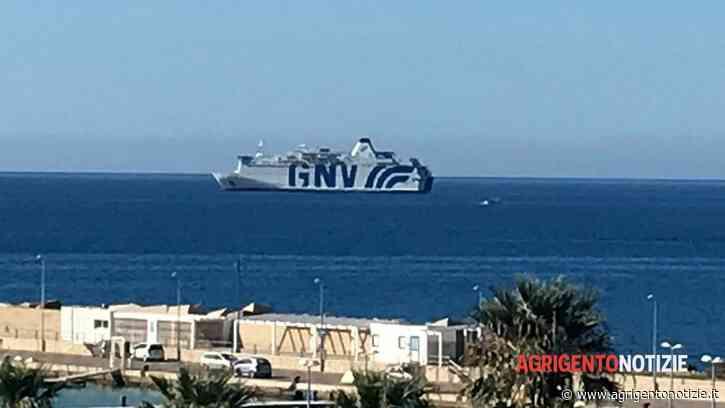 Porto Empedocle, torna la nave quarantena Allegra: sbarcheranno 70 migranti - AgrigentoNotizie
