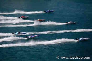 Al Campionato Mondiale di Offshore di Chioggia, Alex Barone e Serafino Barlesi si sono aggiudicati il titolo di campioni del mondo - TusciaUp