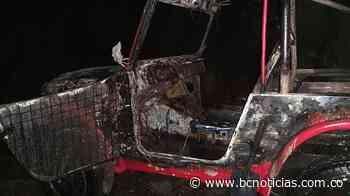 Un vehículo se incendió en la vía Norcasia - La Dorada - BC NOTICIAS - BC Noticias