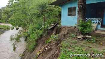 Tres viviendas afectadas por deslizamientos de tierra en Puerto Armuelles - TVN Panamá
