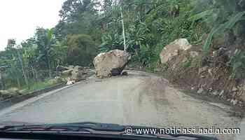 Caída de piedra afecta tránsito hacia Pandi y Venecia, Cundinamarca - Noticias Día a Día