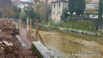 Pieve di Soligo, continuano i lavori di ripristino della muratura distrutta dalla caduta dell'ippocastano sul Soligo - Qdpnews