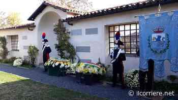 Nel cimitero di Dogliani l'omaggio alla tomba del Presidente della Repubblica Luigi Einaudi - https://ilcorriere.net/