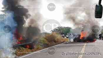 Camionetas se incendian al chocar en la carretera Buenavista-Tepalcatepec - CB Televisión