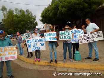Maestros de Altagracia de Orituco protestan en la calle - El Tubazo Digital