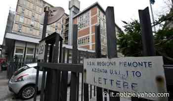 Coronavirus, a Orbassano la cappella ospedaliera riempita di barelle - Yahoo Notizie
