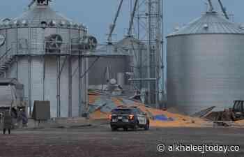 [PHOTOS] Incident near a grain silo in Montmagny: a man in... - AlKhaleej Today