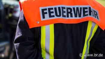 Brand in Burgkunstadt: Polizei sucht Mann mit Bierkasten - BR24