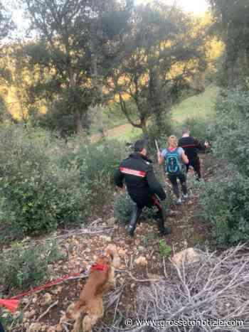 Donna si perde nel bosco insieme alla figlia e al cane: ritrovata dai Carabinieri - Grosseto Notizie