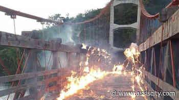 Ponte histórica de Chavantes é Incendiada - Assiscity