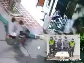 Dos capturados por violento robo de celular en Palmar de Varela - TuBarco