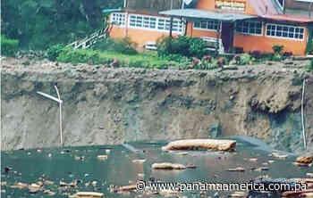 Colapsa carretera en el sector de Hornito en el distrito de Gualaca - Panamá América