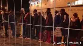 Lampedusa, 70 immigrati minorenni trasferiti a Porto Empedocle - Nuovo Sud
