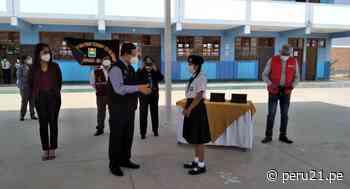 Lambayeque: entregan tablets a escolares del distrito de Mochumí - Diario Perú21