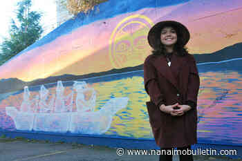 Snaw-naw-as artist honoured for painting mural in Lantzville - Nanaimo News Bulletin