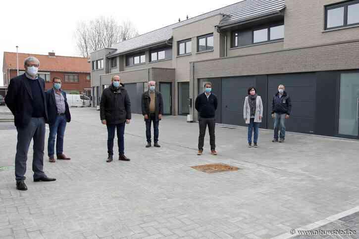 25 verouderde huurwoningen van eind jaren '60 in De Tuinwijk, gesloopt en vervangen door 32 nieuwe moderne woningen