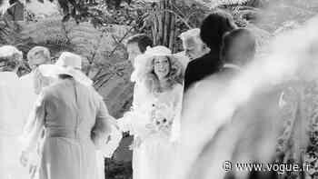 Throwback: Vintage photographs of Farrah Fawcett and Lee Majors's wedding in 1973 - VOGUE Paris