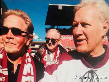 LOST AND FOUND: Special Vanier Cup ring moment bonded Doug Falconer with Alex Trebek - Ottawa Sun