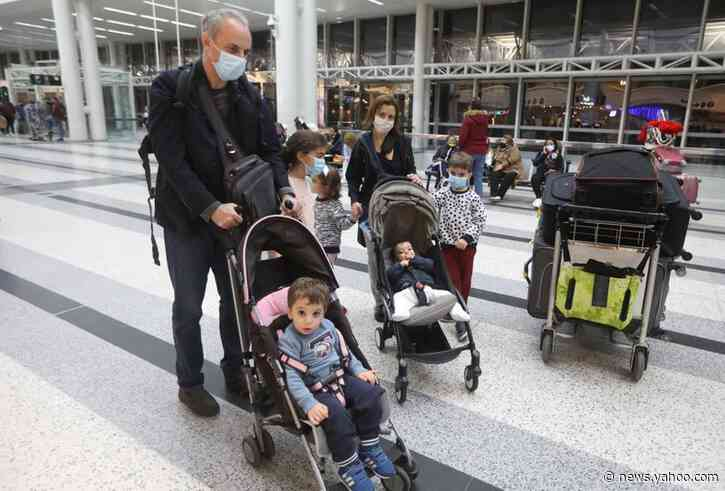 Hundreds of disillusioned doctors leave Lebanon, in blow to healthcare